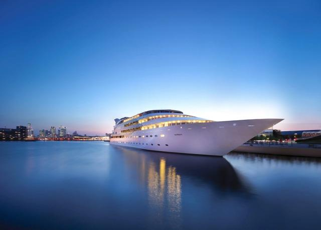 Super Yacht Stay in an exclusive London location with on-board Spa