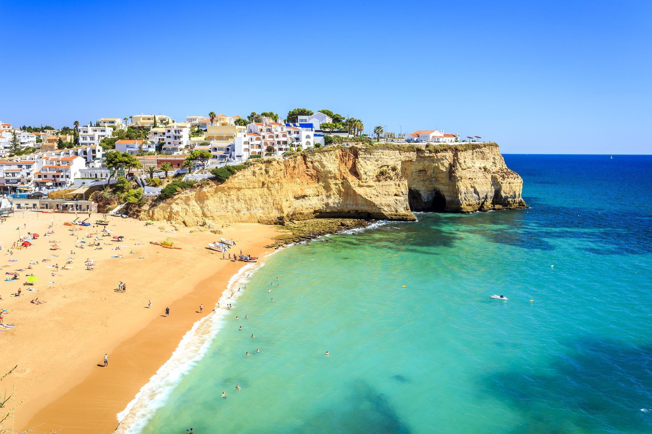 B&B 5* Algarve golf & spa break